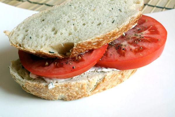 Summertime Tomato Sandwiches
