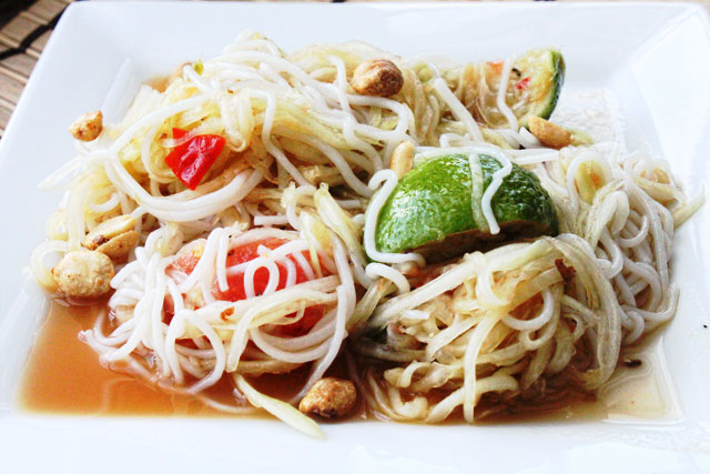 Som Tam with Vermicelli