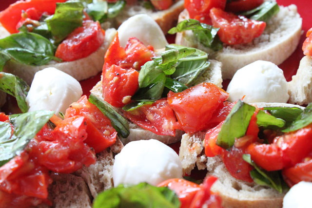 Roasted Tomato Crostini Recipe
