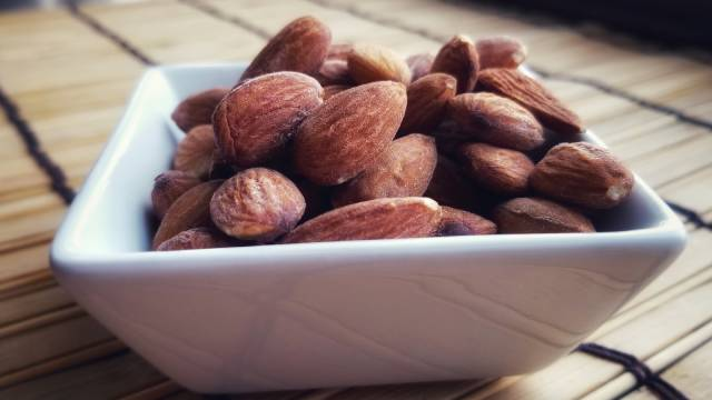 Roasted Salted Almonds Recipe